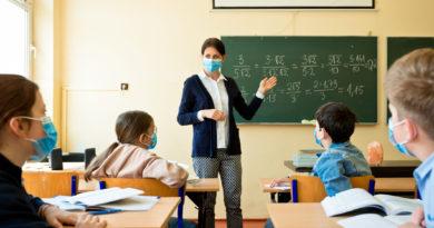 7 Gennaio: Insegnanti vaccinati o isolati?